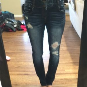 Size 8 skinny distressed, high waisted jeans.